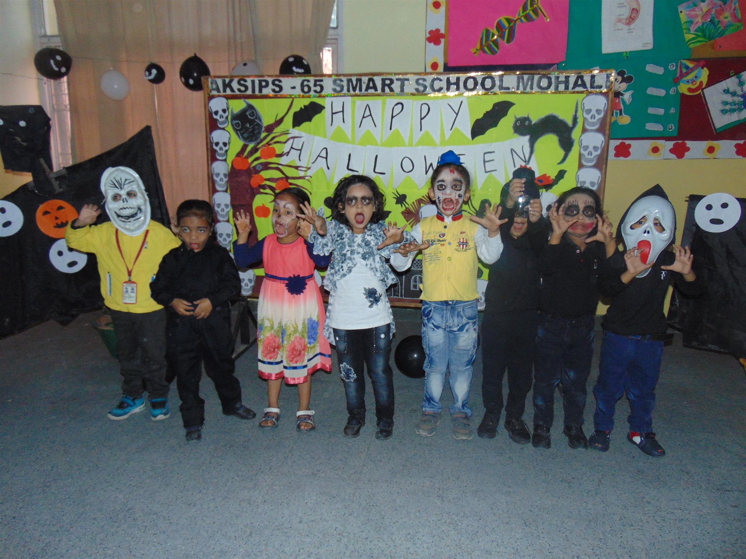 """ When black cats prowl and pumpkins gleam, may luck be yours on Hakkoween"" 'Halloween' is dress up time for kids: Halloween time at AKSIPS-65 Smart School 